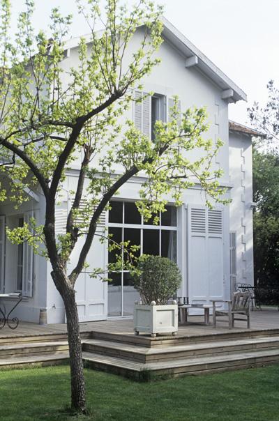 huis-geverfd-grijs-terras