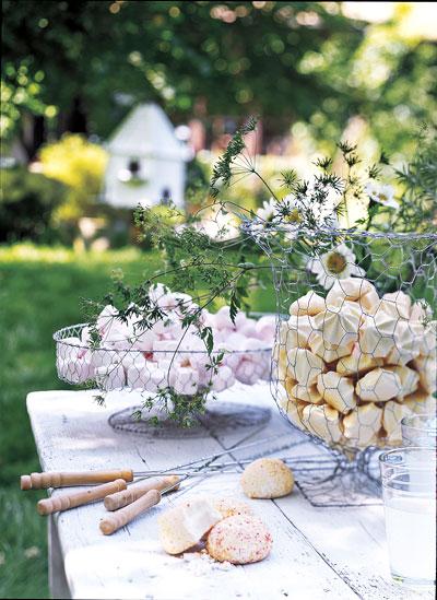 tafel-schuimpjes-pastel-tuin