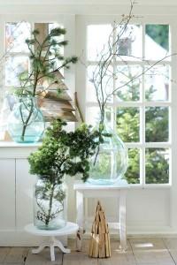 glazen flessen, raam, kersttak,licht
