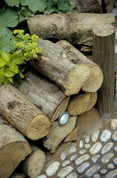 tuinverlichting-boomstammetjes