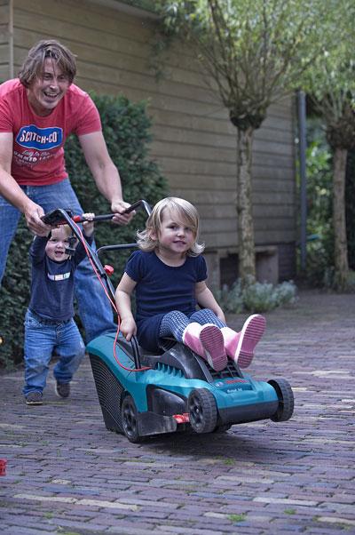 Duurzaam tuinieren volgens Lodewijk Hoekstra, portret met kinderen