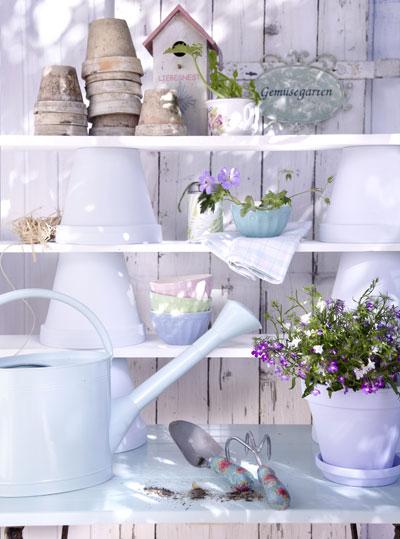 opruimideeën met potten en planken