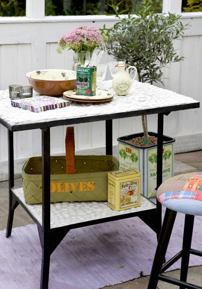 Zelf maken: bankje van vlondertegels, tafeltje