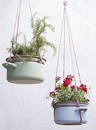 creatief met bloempotten, planten in pannetjes