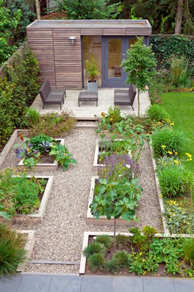 3 tips om je tuin groter te laten lijken for Kleine achtertuin inrichten