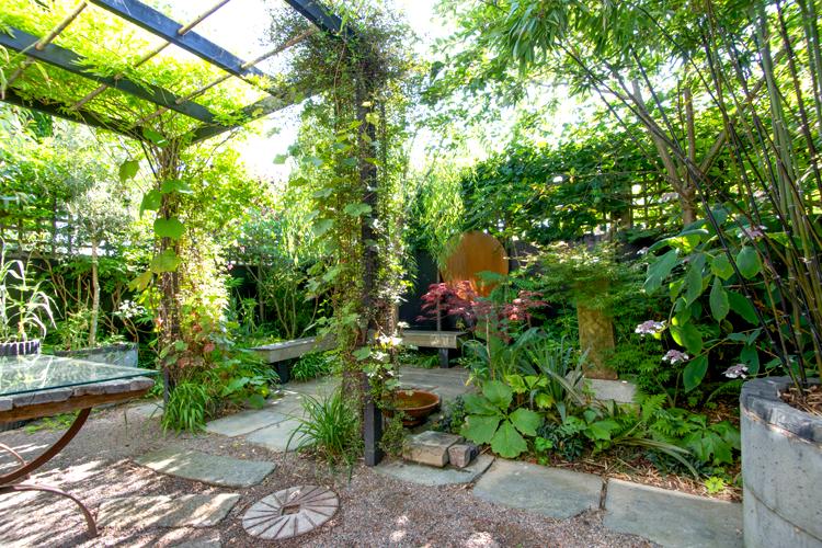 Kleine tuin for Foto op hout maken eigen huis en tuin