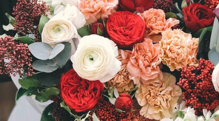 147a454e41b 8 tips hoe je bloemen in een vaas langer mooi kunt houden ...